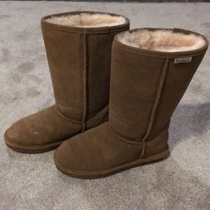 Bearpaw insulated boot